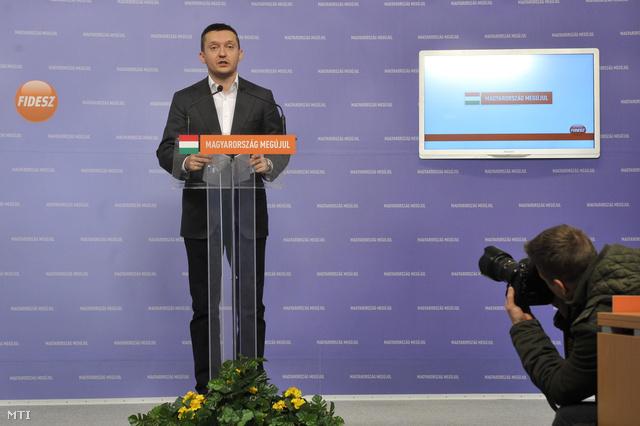 Rogán Antal bejelenti, hogy nem lesz választási regisztráció 2014-ben