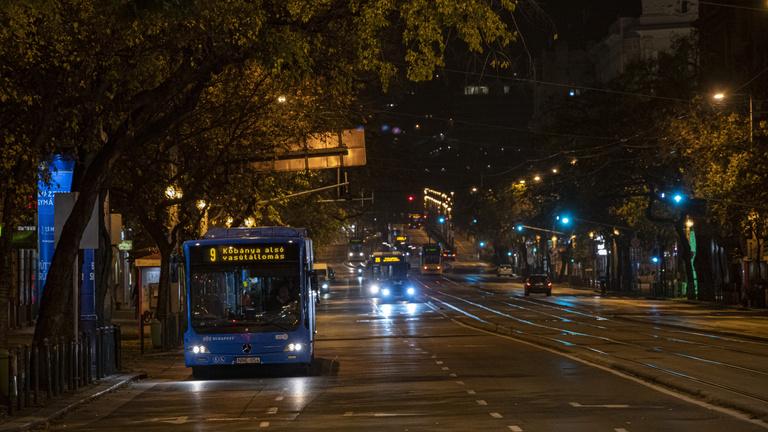 Megéri-e este 8 után tömegközlekedést üzemeltetni?