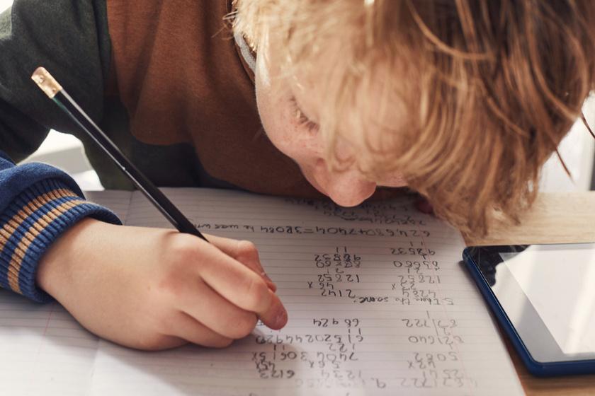 Ötödik osztályban tanultuk a matematika alapjait, nem csak a szorzást és az osztást vettük át az órákon.