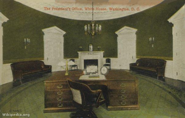 Theodore Roosevelt asztala William Howard Taft új Ovális Irodájában, 1909-ben