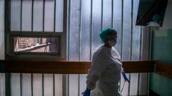 Nincs több hely, a hatvani kórház megtelt koronavírusos betegekkel
