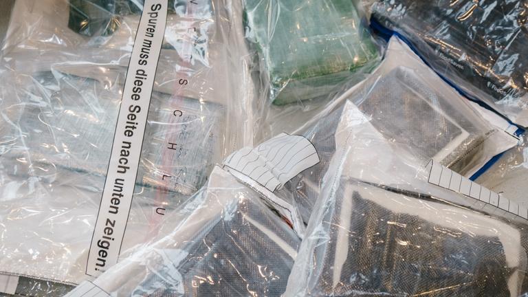 Tonnaszámra áramlik a kokain Európába