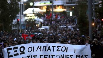 Erőszakba torkollott a görög fővárosban a rendőri erőszak elleni tüntetés