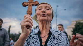 Romániában egy nap alatt 933 olyan embert találtak, aki másodszor lett koronavírusos