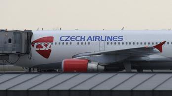 Milliárdos tartozás miatt csődbe ment a cseh légitársaság