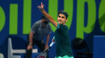 Federer maratoni győztes meccsen tért vissza 13 hónap után