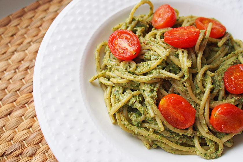 spenótos avokádós spagetti