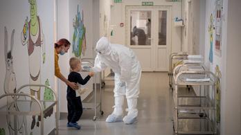 Velkey György: A gyermekkórházban is érzik, hogy egyre gyorsabban terjed a fertőzés
