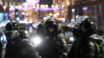 Biztonsági zónából tudósíthatnának az újságírók