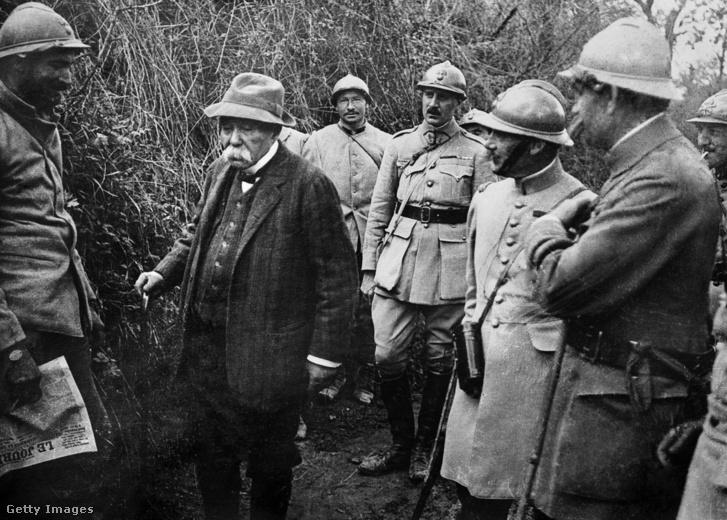 Georges Clemenceau ellátogat a Picardy-frontra az I. világháborúban