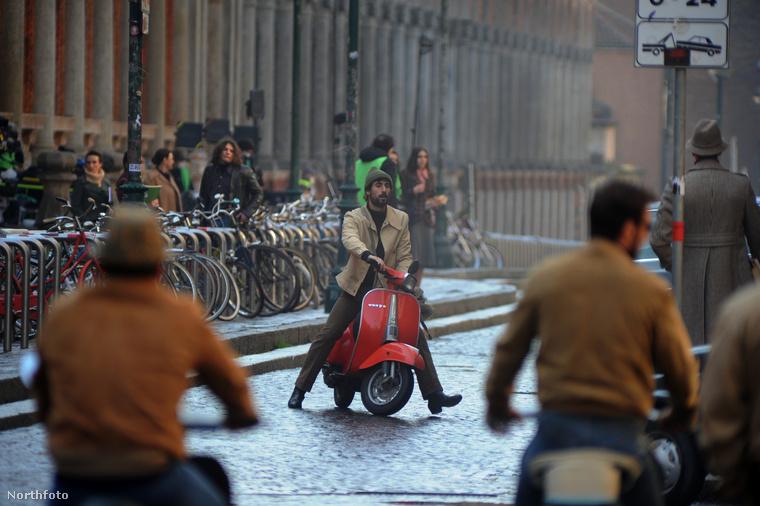 A filmben fontos szereplők még Jared Leto (nem lehet véletlen!) és Al Pacino, aki nemrég meg is érkezett Olaszországba