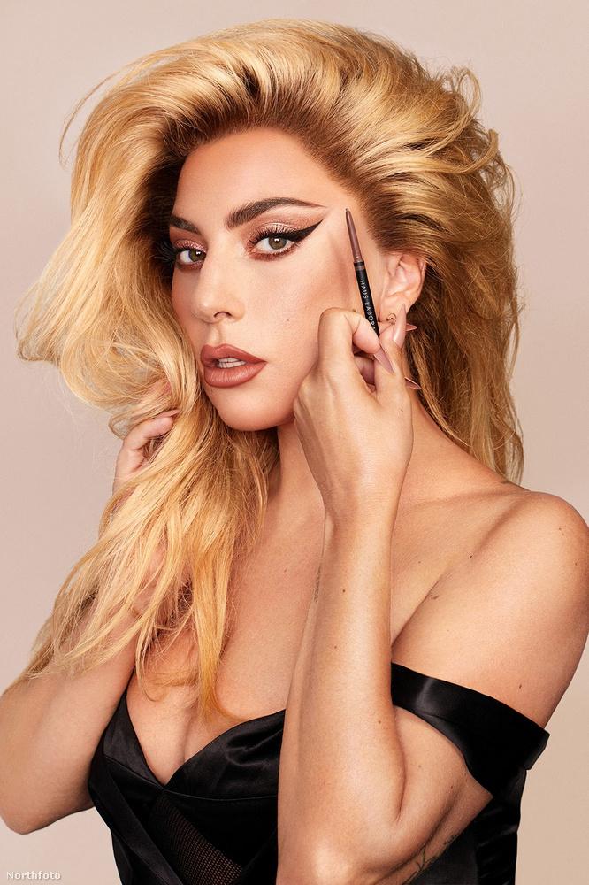macskaszem Gaga saját sminkreklámjában.