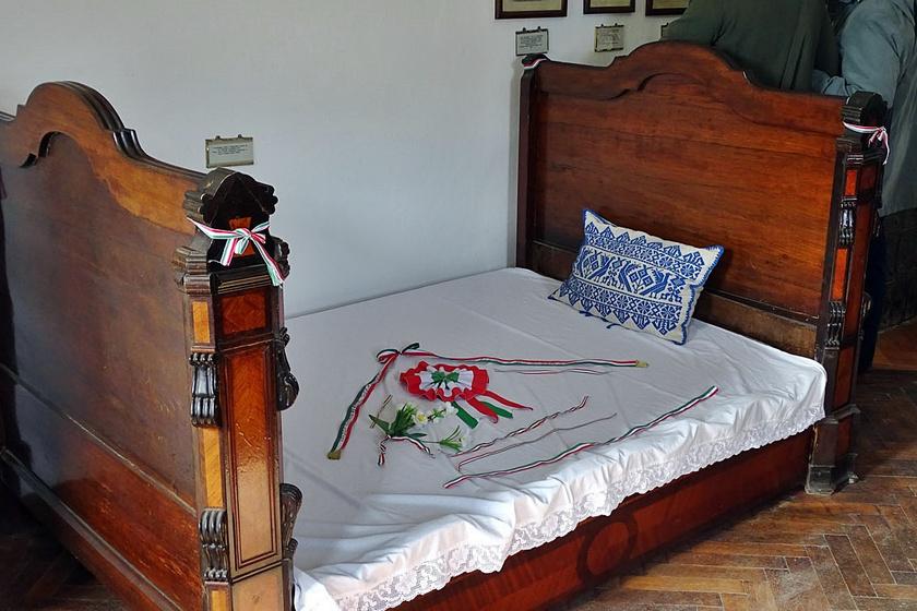 koltó ágy