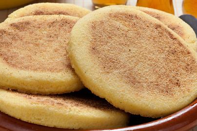 Így készül a marokkói kenyérke, a harcha: búzadarából áll a tésztája