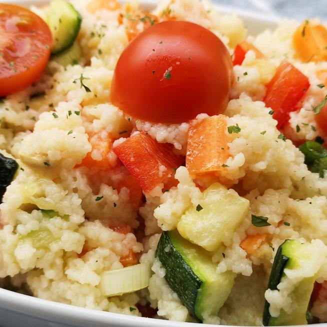 Fűszeres kuszkuszsaláta zöldségekkel – Egészséges, laktató főétel is lehet