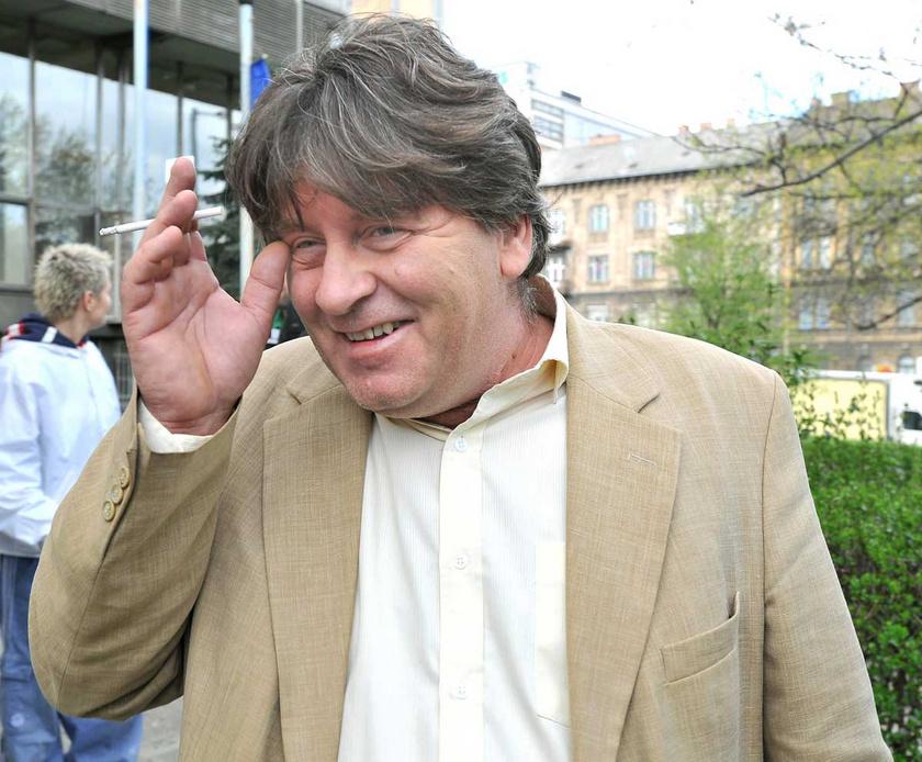 Bakács Tibor Settenkedő 2011 áprilisában, miután a szabálysértési eljárást lezáró tárgyalásán ötvenezer forint pénzbírságra ítélték.