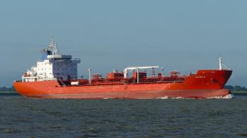 Kalózok támadtak egy holland tankerre a Guineai-öbölben