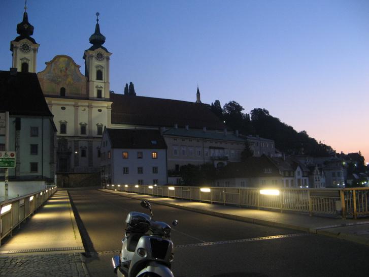 Steyr hajnali fényben
