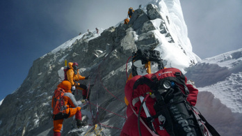 Korlátozzák a szelfik készítését a Mount Everesten