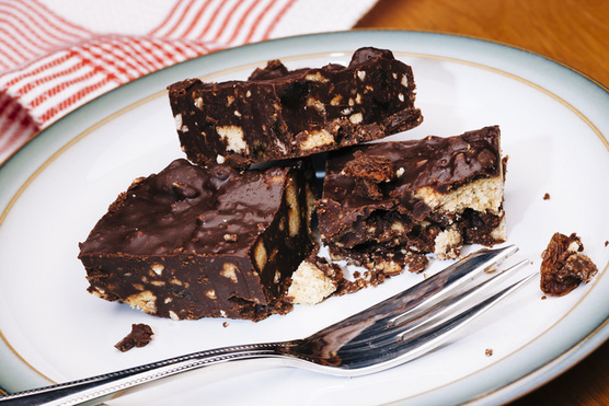 Csokis és hagyományos kekszekkel is finom.