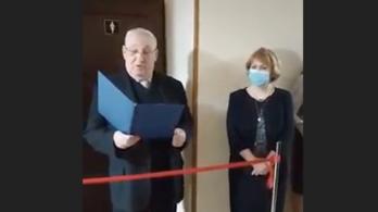 Új vécét avattak nőnap alkalmából a kijevi egyetemen