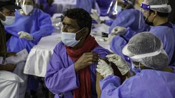 Már a harmadik dózist adják be a kínai vakcinából a Közel-Keleten