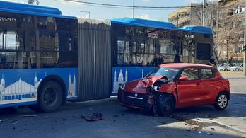 Busszal ütközött egy Suzuki Pesterzsébeten