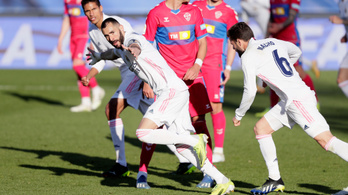 Benzema a hosszabbításban mentette meg a Real Madridot