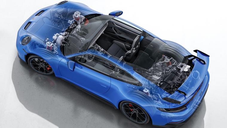 Kettős keresztlengőkaros felfüggesztését a Le Mansi-i 911 RSR-től örökölte, a 4,0 literes szívó bokszere pedig a 911 GT3 R és 911 GT3 Cup modellekből