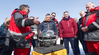 A Bajkál-tóban tanulmányozzák a neutrínókat