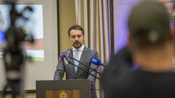 Vona Gábor elindította az online népszavazást