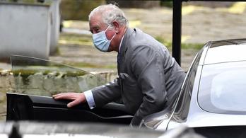 Békülne Harry herceggel a megsértett Károly herceg