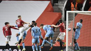 Egy öngóllal lépett vissza a 2. helyre a Manchester United