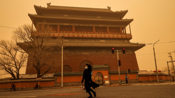Sárgába borult Peking, hatalmas homokvihar támadt a városra
