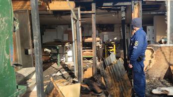 Rendőrök és katonák mentettek ki időseket a tűzből Székesfehérváron