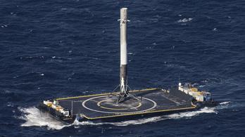 Kilencedik alkalommal landolt a Falcon 9
