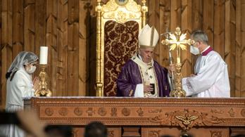 Döntött a Vatikán, nem lehet megáldani azonos neműek párkapcsolatát