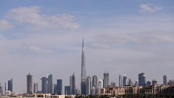 Március 15. van, magyar színekbe öltözött a dubaji Burdzs Kalifa