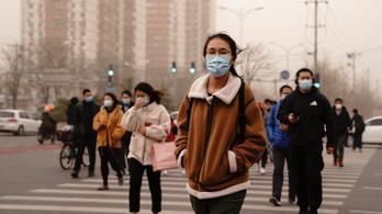 Kínában 2022 nyaráig egymilliárd ember akarnak beoltani