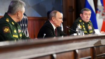 Orosz katonai inváziótól tartanak Ukrajnában