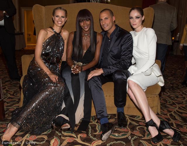 A partiállatok balról jobbra: Karolina Kurkova modell, Naomi Campbell, Niger Barker tévés személyiség és Coco Rocha modell az NBCUniversal 2013 TCA Winter Press Tour Partyn.