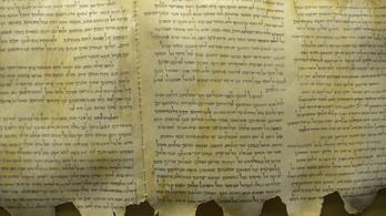 Bibliai szöveget tartalmazó tekercseket találtak egy barlangban