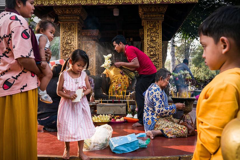 1. helyezett: Florian Lang - Buddhista útszéli szentély Kambodzsában.