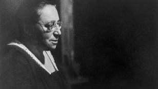 Einstein kaliberű matematikus volt, de nőként nem tudott bekerülni a tankönyvekbe
