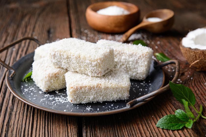 Fehér csokis kókuszos süti: az alapja pillekönnyű piskóta