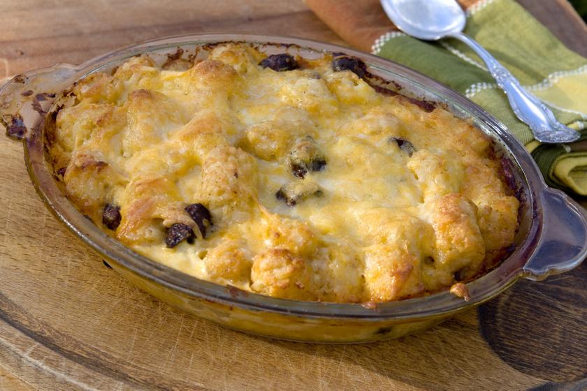 Sajtos-kolbászos sertésszelet a sütőből: az egyik legfinomabb rakottas
