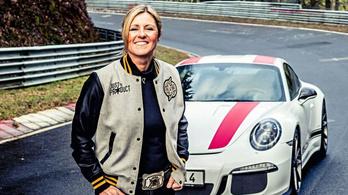 Meghalt a Nürburgring királynője, Sabine Schmitz