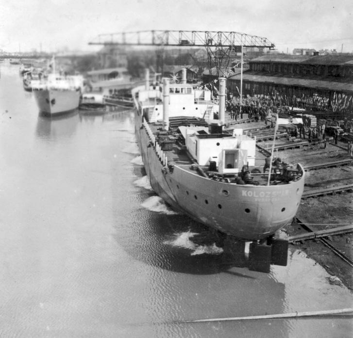 Ganz és Társa hajógyára, a Kolozsvár 1100 tonnás folyam-tengeri áruszállító hajó vízre bocsátása, 1943.