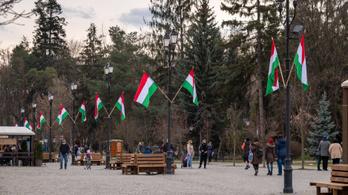 Megint magyar zászló miatt bírságolták meg a sepsiszentgyörgyi polgármestert