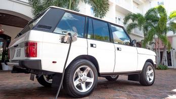 Tesla-hajtást pakoltak bele egy régi Range Roverbe